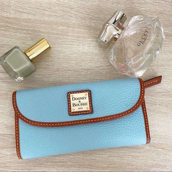 Dooney & Bourke Handbags - Dooney & Bourke blue leather Wallet